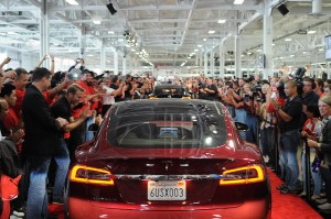 Tesla S Gets A Glass Roof
