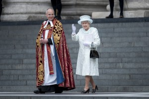 New stained glass window honors Queen Elizabeth