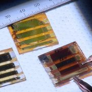 Toronto scientists print up glass solar cells