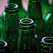 glass-paint-bottle-to-bottle-glass-recycling